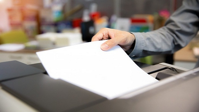 empresarios-ponen-papeles-fotocopiadoras_101448-417.jpg